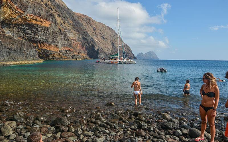Catamaran trip at the Deserta Islands
