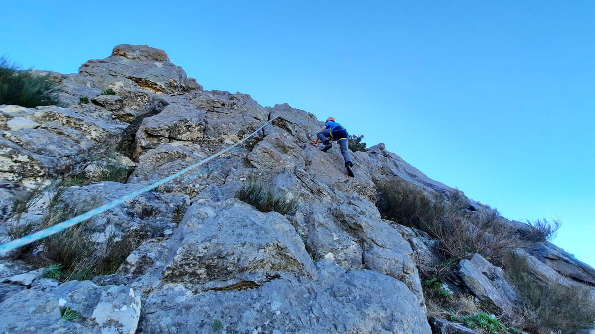 Climbing in Lombo do Mouro